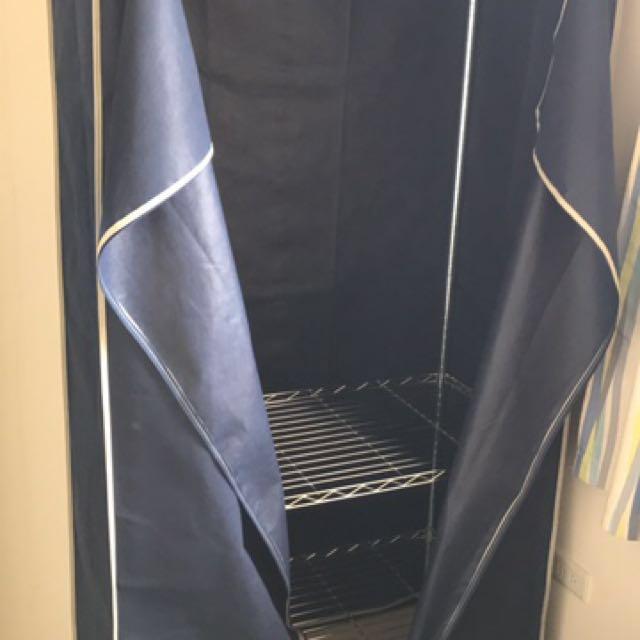 二手衣櫃只使用兩個月