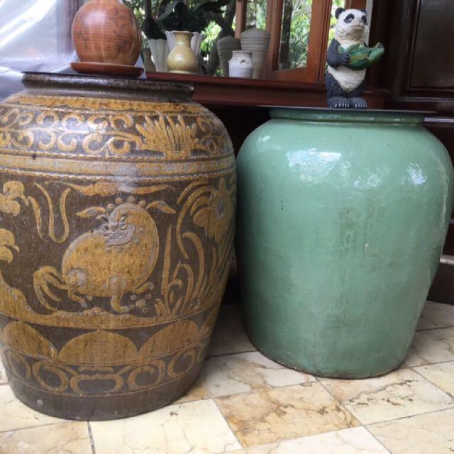 Antique Jars from Borneo authentic guci asli kalimantan
