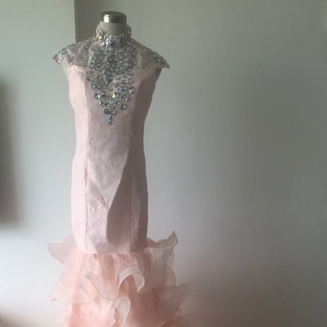 Bear-Back Mermaid Pink Wedding Gown