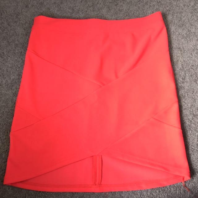 Black tight skirt