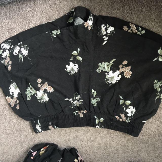 Cute flowery summer shorts