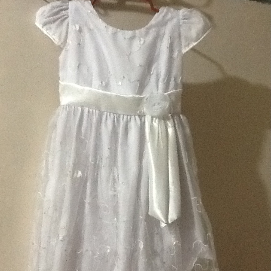 !Free Ship! white dress for kid/moving up dress
