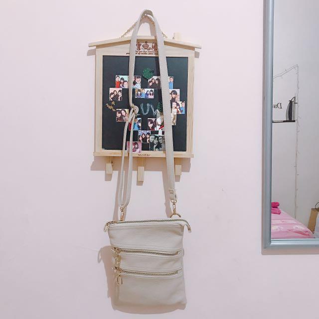 Hana Original Sling Bag