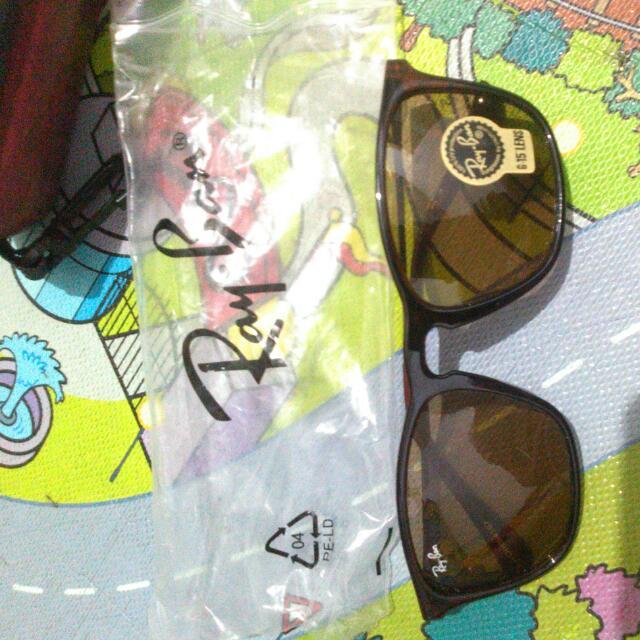 Kacamata Baru. Rayban