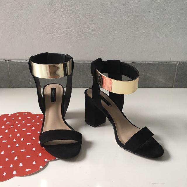 LIGHTLY USED ZARA ANKLE SANDALS