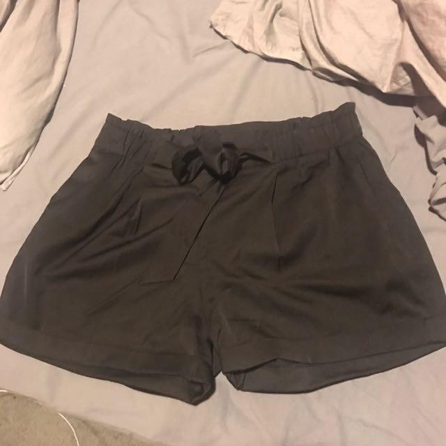 Mirrou shorts size 12