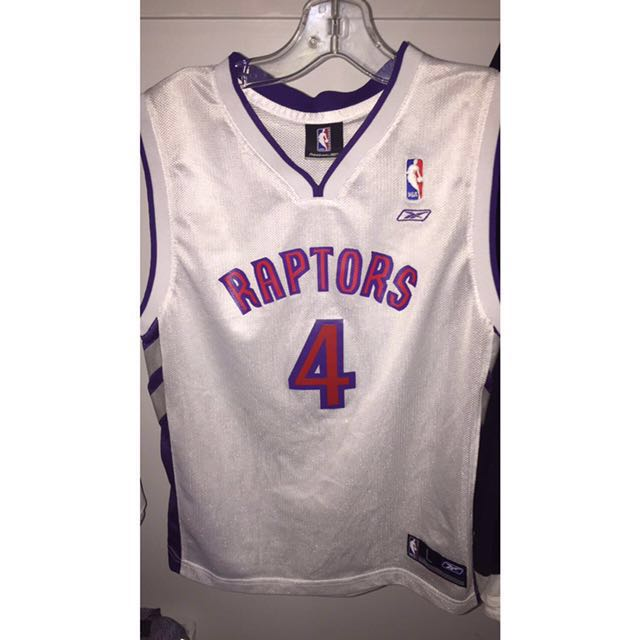 Never worn Vintage rebook raports jersey