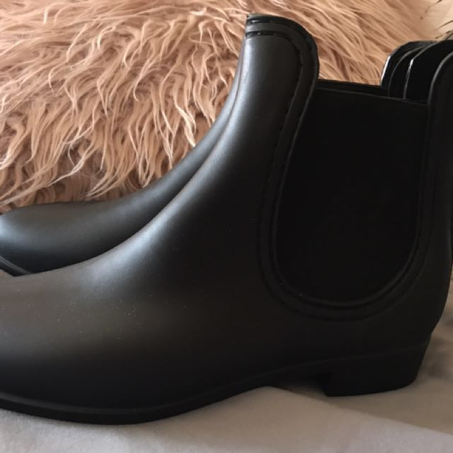 PIPER Boots Size 9 (40)