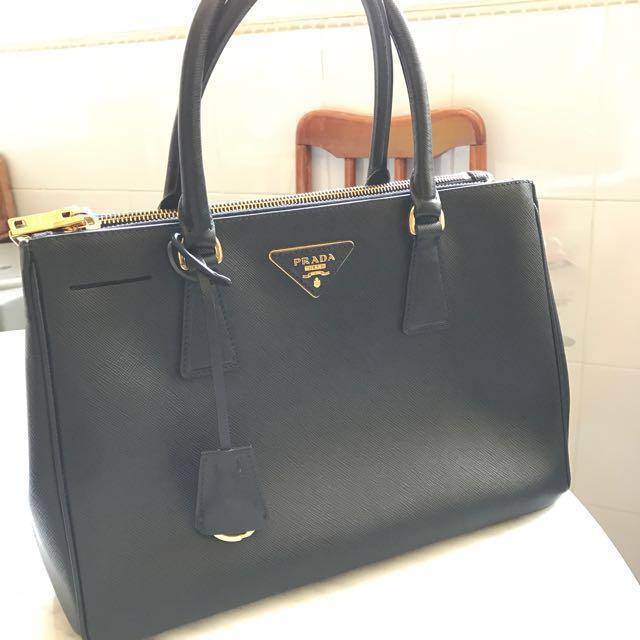 247645d7f696 ... low price prada saffiano leather bag medium luxury bags wallets on  carousell 73c8f f3e19