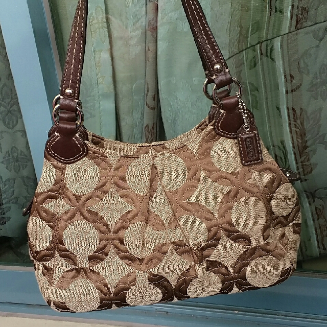 REPRICED! Authentic Coach hand bag