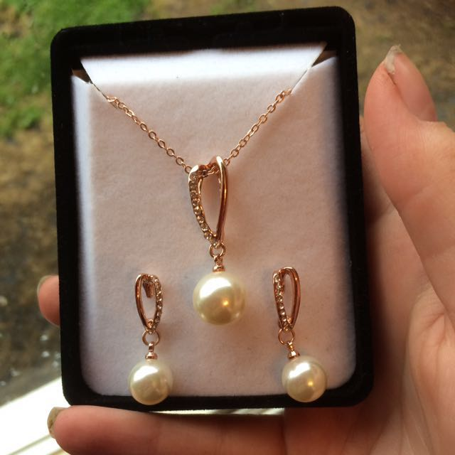 Rose Gold Coloured, Faux Pearl Necklace And Earing Set