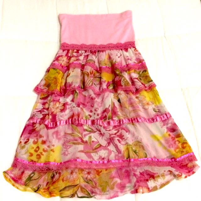 SALE!!! PETITE MONDE Pink Ruffled Dress