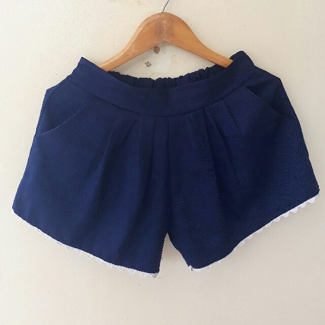 Scallop Dolphin Shorts