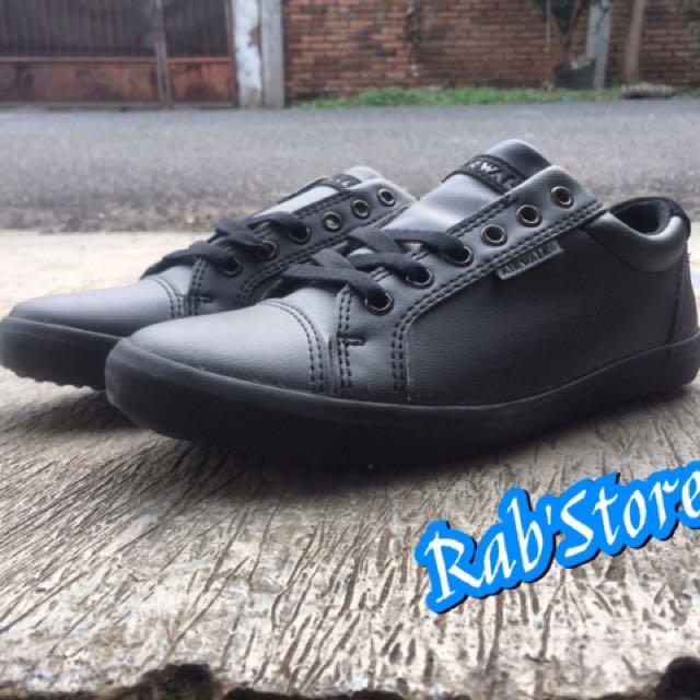 Sepatu Airwalk Original Hosea Mono Black