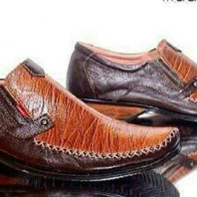Sepatu Pantofel Kulit Sepatu Formal Sepatu Pesta Sepatu Cibaduyut Bandung  Sepatu Handmade Bandung a71d97572d