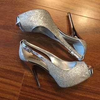 Guess Platform Heels Size 9
