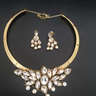 Collar necklace set