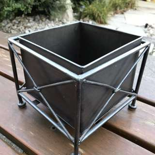 Metal Decorative Planter