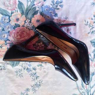 Pointed Black Stiletto Heel