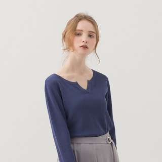 極簡百搭小V領設計薄針織上衣/海藍