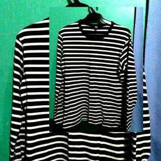 Uniqlo Black And White Long Sleeves