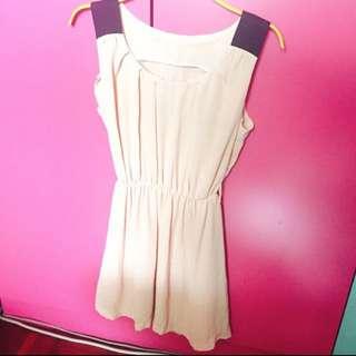 粉膚色洋裝