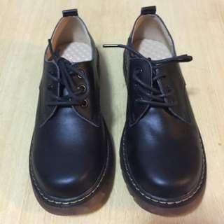 學生返學鞋38號碼黑色