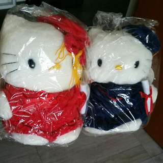 Hello Kitty Graduation Stuffed Toys (Approx 20×15×8cm)