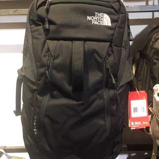 The North Face Backpack (Router) 容量:34L