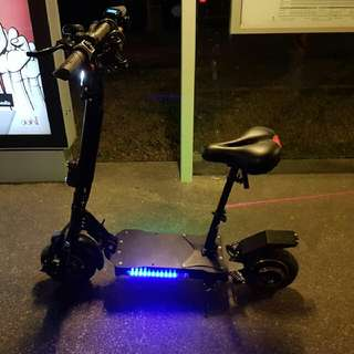 e  scooter 48v 800w very good condition ,very powerful i swear,come with original charger.price can nego.