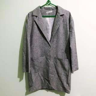 灰色寬版西裝外套