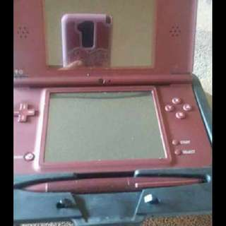DSI-XL WITH 6 GAMES AND CASE