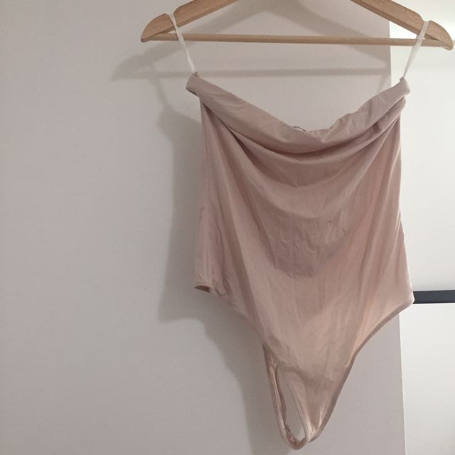 ARITZIA BABAYON SILKY BODY SUIT