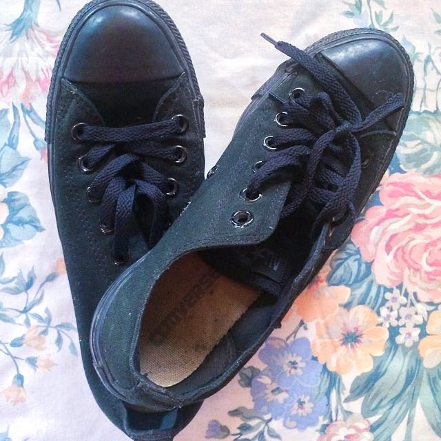 Authentic All Black Low Cut Converse Shoes (Negotiable Price)