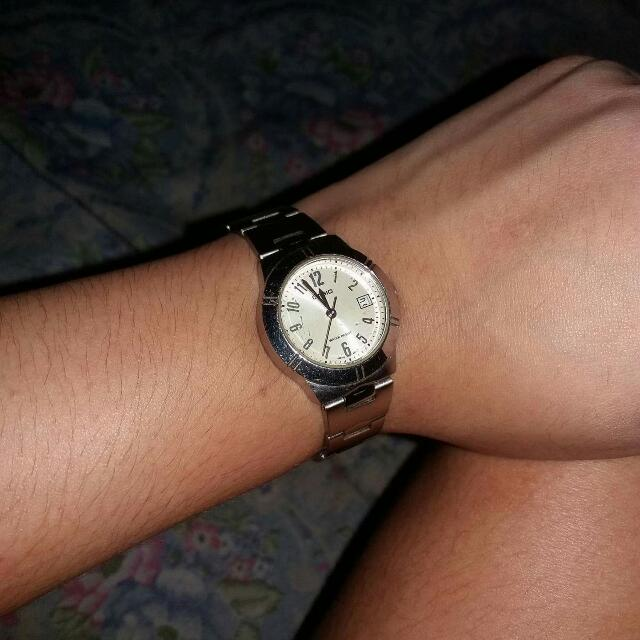 AUTHENTIC CASIO SILVER WATCH