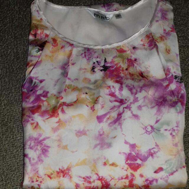 Baju (Merk mnt Size 8)