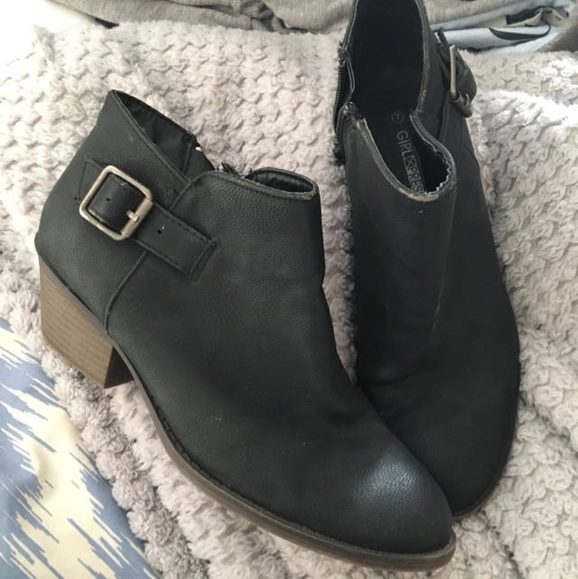 Black Boots With Brown Heel