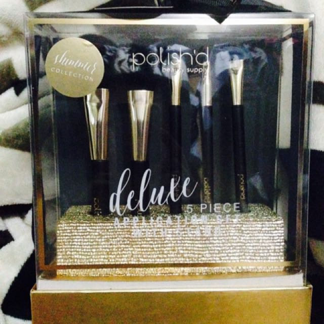 Brush Set!!! ❤️