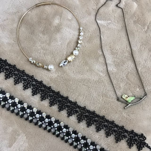 Bundle (700php) Individual (375 php each) Assorted necklaces and chokers
