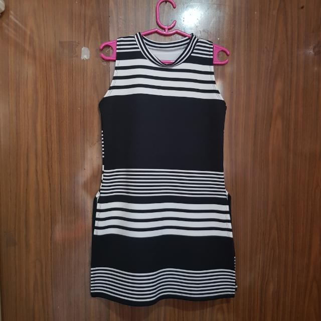 Dress w/ Slit
