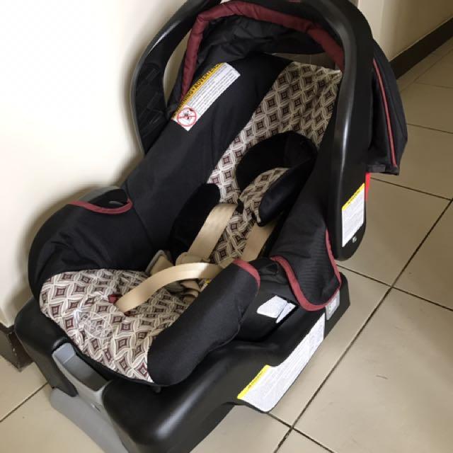 GRACO SnugRide Click Connect car seat nEW