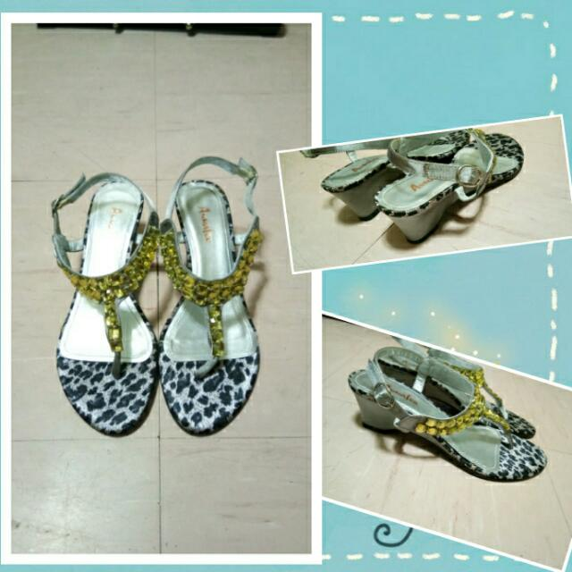 Gray Leopard Print Wedge Sandals