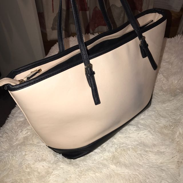 Kardashian Kollection Tote Bag