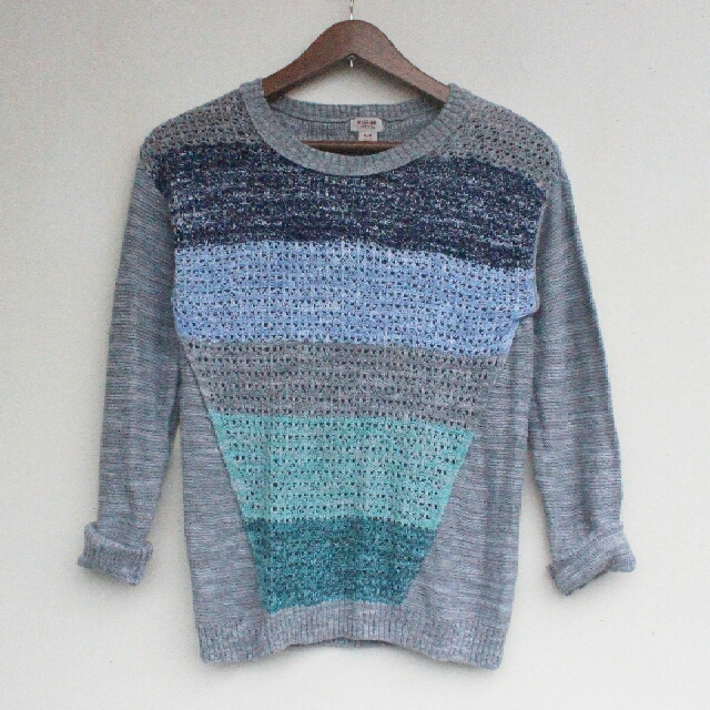 Mossimo Gray Knitted Sweater
