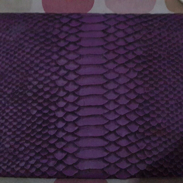 Purple Clucth