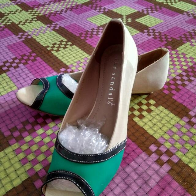 sepatu merk the sandals size 38