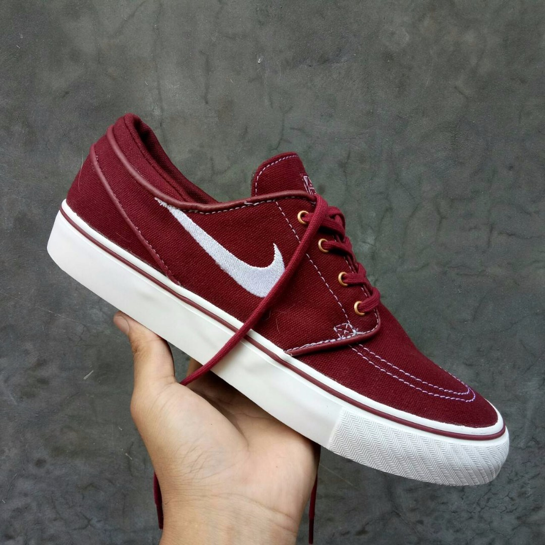SEPATU NIKE STEFAN JANOSKI MAROON PREMIUM BNIB FULL TAG BARCODE MADE IN  CHINA 7fd50e168