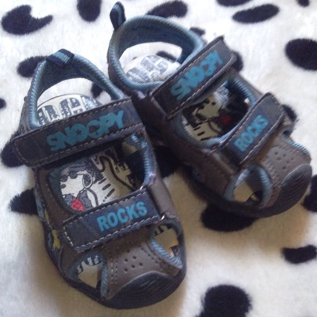 Snoopy prewalk sandals