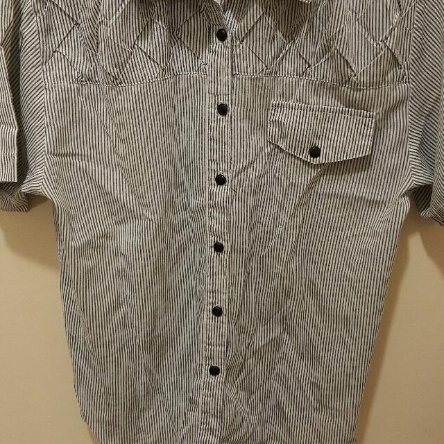 Striped ButtondownShirt