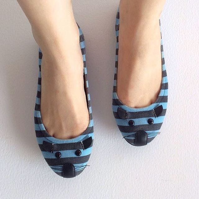 USED MARC JACOBS FLATS